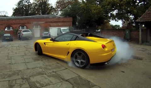 Video Ferrari SA Aperta Does Burnout