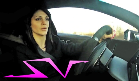 Video Hot Chick Flying in Lamborghini Murcielago LP670-SV