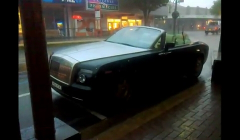 Video Rolls-Royce Drophead Coupe Ruined in Half Hour Rain Storm