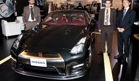 $266,000 Gold-Plated Nissan GT-R for the Middle East