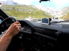 Video Stelvio Pass in a 1980's E30 BMW