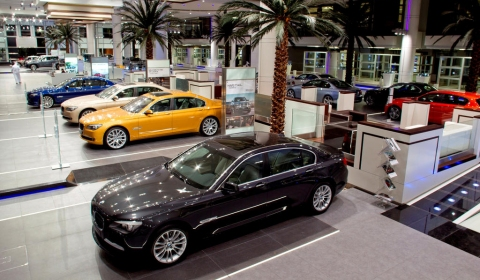 BMW's Largest Worldwide Dealership Opened in Abu Dhabi 01