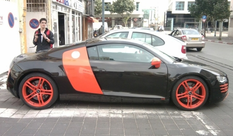 Spotted Special Colored Audi R8 in Tel Aviv 01