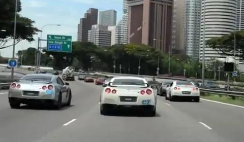 Video 40+ Nissan GTR Convoy Ride