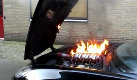 Video Corvette C6 Z06 Engine Catches Fire