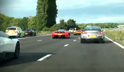 Video Crazy Supercar Convoy and Accelerations