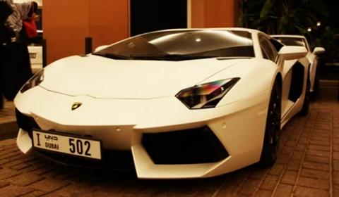 Video Matte White Lamborghini Aventador LP700-4 in Dubai