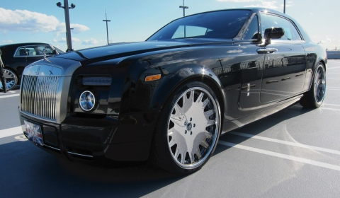 Video Two Rolls-Royce Phantom Coupes on 24 inch Forgiato Wheels by Office-K