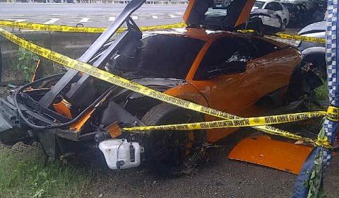 Car Crash Lamborghini Murcielago LP670-4 SV in Indonesia