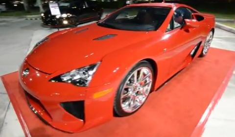 Video Red Lexus LFA Drives Through South Florida