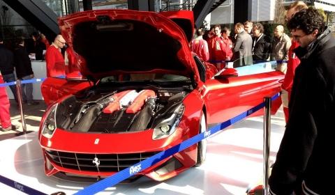 First Live Pictures Ferrari F12 Berlinetta