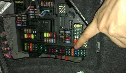 Плавкий предохранитель BMW M5 Active Sound.