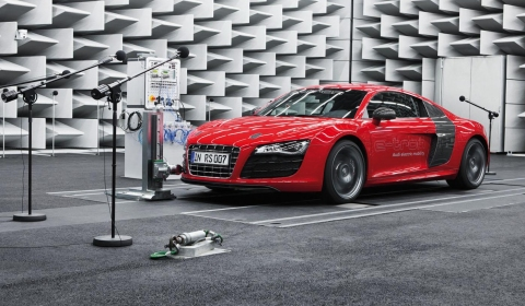 Video Audi Developing Artifical Audi R8 E-tron Sound Track - E-sound