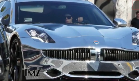 Video Justin Bieber and His Chrome Fisker Karma