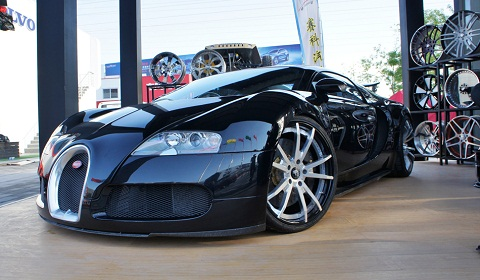 Bugatti Veyron on Forgiato Wheels