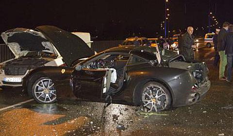 Ferrari California Crash Dusseldorf