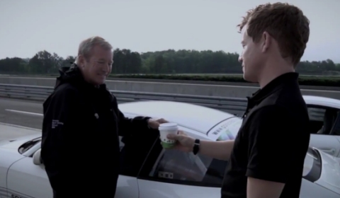 Video How to Fetch Coffee in a Porsche 911 GT3 RS 4.0