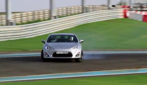 Video Toyota GT86 Drifting on Yas Marina Circuit, Abu Dhabi