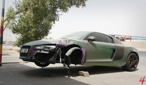 Car Crash: Pearlescent Audi R8 Crashed in Dubai - GTspirit