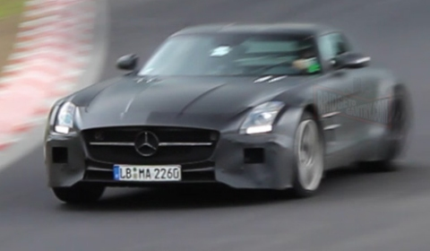 Spyvideo Large Number of Test Mules at the Nurburgring