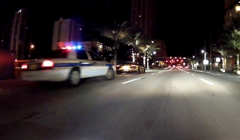 Video Golden Lamborghini Aventador Pulled Over After Flyby