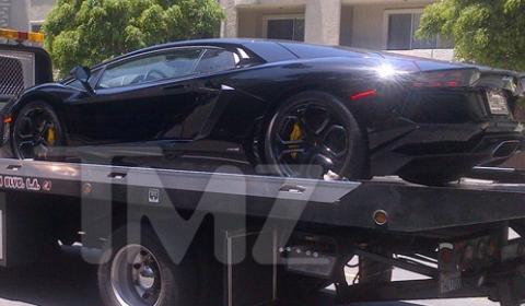 Video Kanye West Gets Lamborghini Aventador as Birthday Present