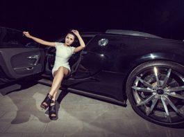 Cars and Girls Yani Yi and Bugatti Veyron