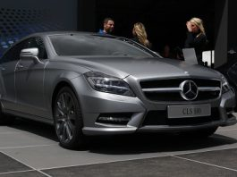 Mercedes-Benz CLS 500 Shooting Brake Live at Goodwood