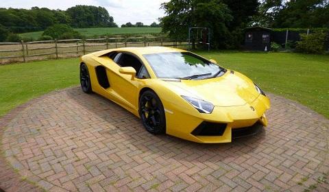 Oakley Design Second Lamborghini Aventador