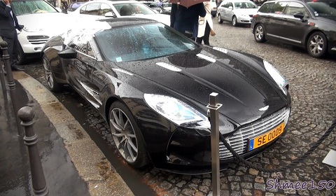 Samuel Eto'o's Aston Martin One-77 Broken