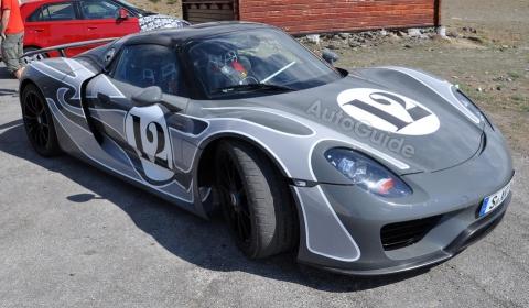 Spyshots Porsche 918 Spyder Interior