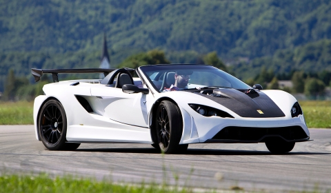 Video Autocar Drives Tushek Renovatio T500