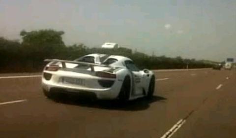 Video Porsche 918 Spyder Test Mules Spotted near Valencia