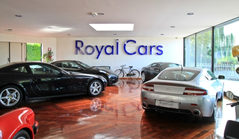 Dealer Visit Royal Cars Showroom Near Venezia