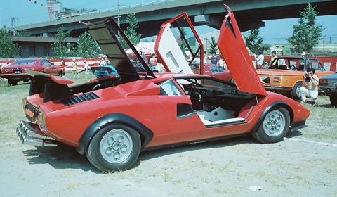 walter wolf lamborghini countach with 12 exhaust tips. Black Bedroom Furniture Sets. Home Design Ideas
