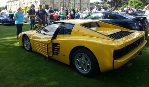 Yellow Ferrari Testarossa Wins Wilton Classic and Supercars 2012 Rev Battle