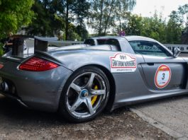 Car Crash Porsche Carrera GT Hits Barrier at Nurburgring