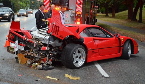 Car Crash: Ferrari F40 Wrecked in Vancouver
