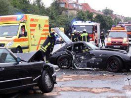 Wiesmann MF4 GT Wrecks into Mercedes-Benz 560SL