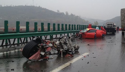 Ferrari 458 Spider and California Wrecked in China