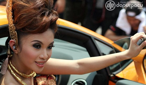 Ladies and Lamborghinis in Jakarta