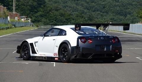 2013 NISSAN GT-R NISMO GT3 01