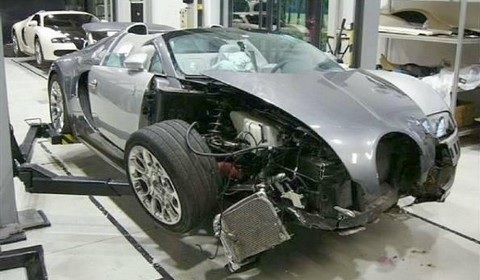 Bugatti Veyron Grand Sport Crash
