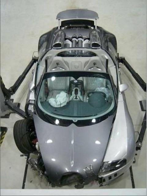 Bugatti Veyron Grand Sport Crash