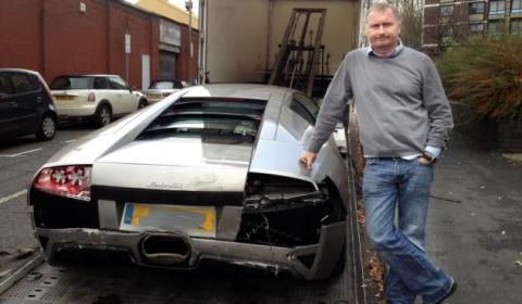 Car Crash Mechanic Wrecks a Lamborghini Murcielago LP640