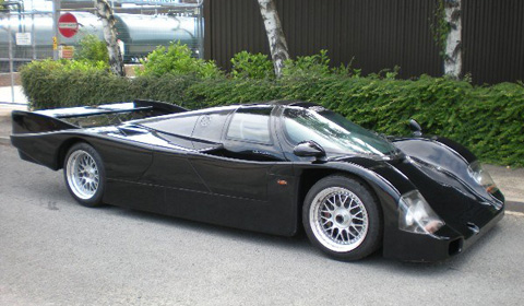 For Sale: Porsche 962 Derek Bell Signature Edition - GTspirit