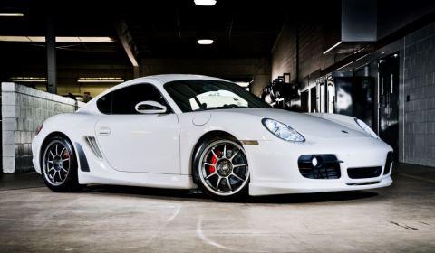 Porsche Cayman S by Ultimate Auto