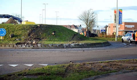 Porsche and Mercedes Wreck in Fatal Car Crash in Belgium 01