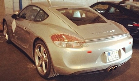 Spotted 2013 Porsche Cayman S Completely Undisguised 01
