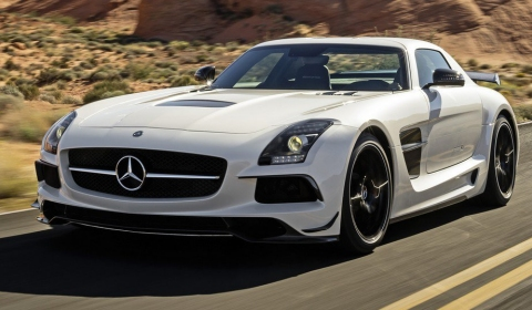 Video 2013 Mercedes-Benz SLS AMG Black Series Trailer
